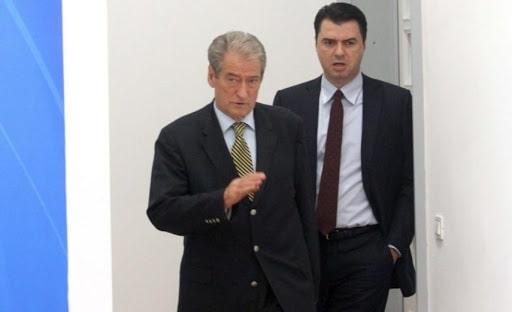 """""""Foltorja"""", kush janë 6 deputetët e PD që mbështesin hapur Berishën"""