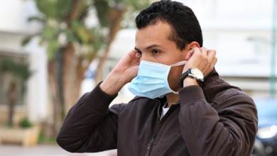 Photo of إرتداء الكمامة أكثر من 8 ساعات يُشكل خطرًا.