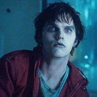 "WORLDWIDESCREEN: ""Warm Bodies (OFFICIAL TRAILER)"""