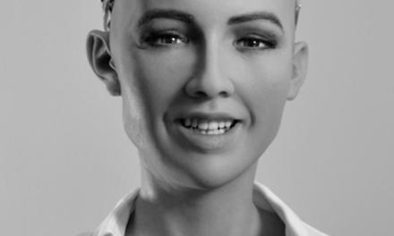 Sophia, el primer robot humanoide llega a Cartagena
