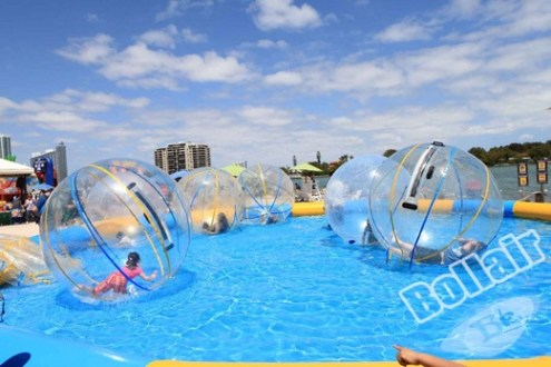 Aqua jumbo water ball for water games