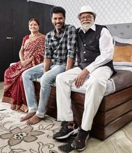 Prabhu-Deva-with-Parents