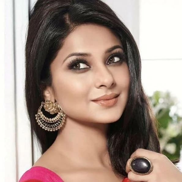 Jennifer Winget Net Worth