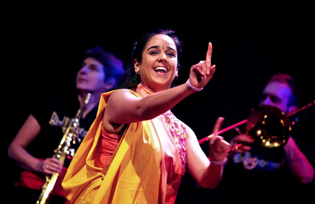 bollywood-brass-band--sliders--book-us--venues--004