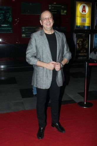 Sohrab Adeshir at the Red Carpet of 'Love, Wrinkle-Free' premiere at PVR, Phoenix..