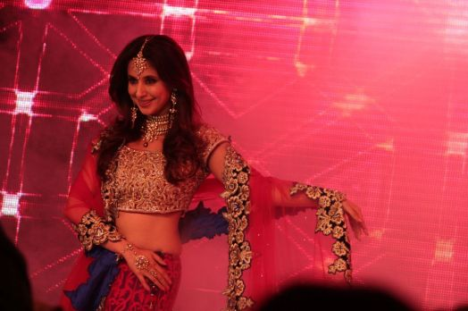 07 - Show Stopper Urmila Matondkar in a designer Asif Shah's collection in Indore at Sayaji Palace,..,