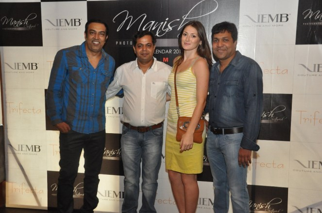 Vindu and Dina Singh with Manish Chaturvedi and Punit Agarwal at the launch