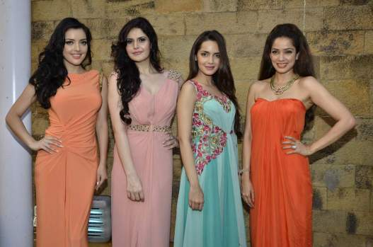 Kristina Akheeva, Zarine Khan, Shazahn Padamsee and Vidya Malvade at the Design one preview 2