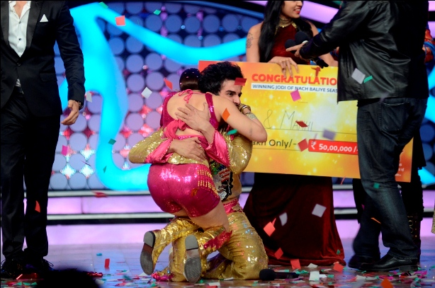 JAY AND MAHI WINNERS OF NACH BALIYE 5 (4)
