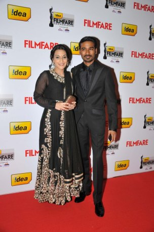Dhanush with wife Aishwarya on the Red Carpet of '60the Idea Filmfare Awards 2012(South)