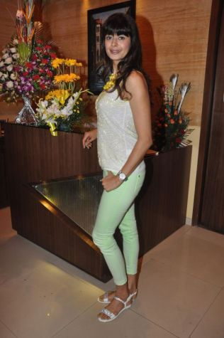 Pooja Batra at the launch of Ovais & Uzair Queraishi's Yoko Sizzlers..,