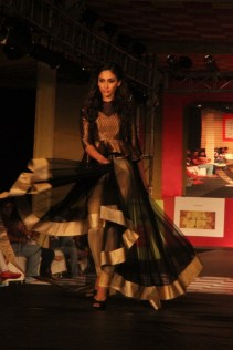 Sonal_Chauhan_AlpaReena_Collection_Launch