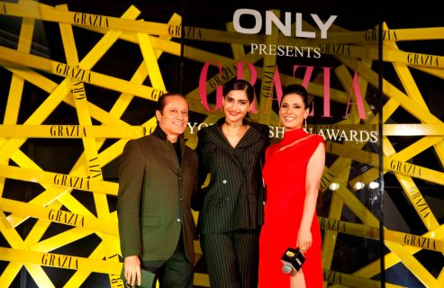 Vineet Jain (Managing Director, Times Group), The Grazia Cover Girl of the Year Sonam Kapoor & Ramona Arena at the Grazia Young Fashion Awards 2014