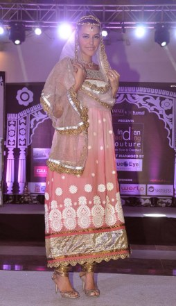 Neha Dhupia walked as showstopper at the finale show of 'Indian Wedding Couture'.4