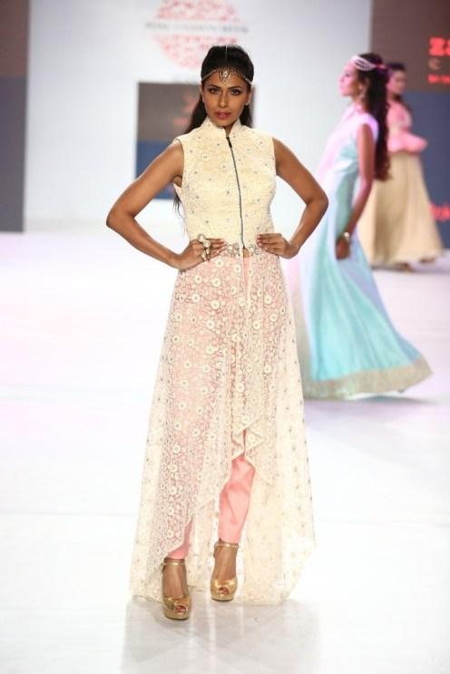 04 Model in Designer Shouger Merchant Doshi's creation @ Pune Fashion Week Season V