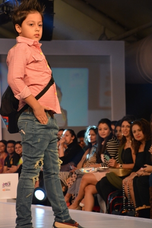 Alesia Raut's son Mark at IKFW for Brown Bows