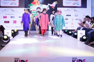 Kids walking the ramp for Pooja Jhunjhunwala for PARA at IKFW 2015 5