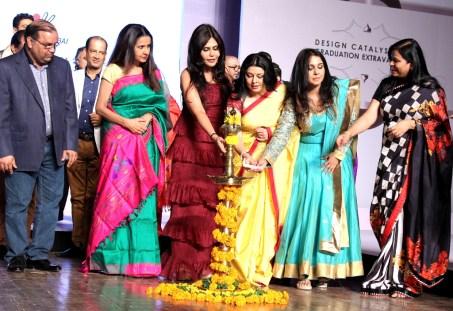 6 Dilip Jivrajka, Faculty Mr Jha, Sharon Prabhakar, Nisha JamVwal, Kiran Joneja Sippy, Suchitra, Nilima Rani Singh Light the lamp a
