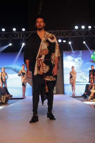 Rajneesh Duggal in Pria Kataaria Puri@Tech Fashion Tour