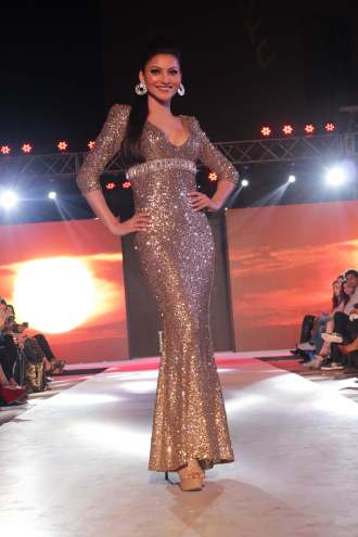 Urvashi Rautela in Pria Kataaria Puri@Tech Fashion Tour
