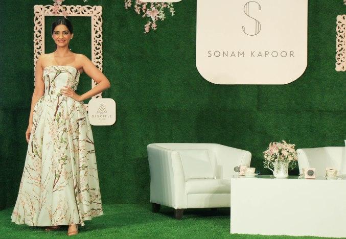 Sonam Kapoor 4