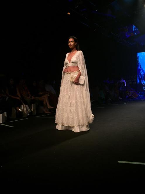 2-designer-abha-choudharys-collection-6degree-studio