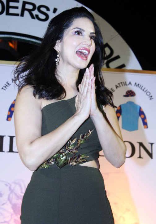 sunny-leone-attends-the-atilla-million-race-by-kishore-dhingra-2