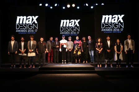 Jury with the 03 winners with their designs