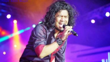 A Supreme Court has filed a complaint for 'inappropriately kissing' the minor. against papon
