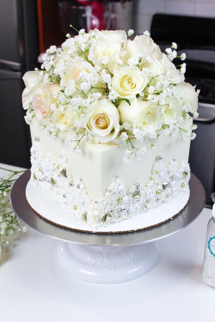 MG 4731 3 683x1024 - Minhas principais dicas sobre como fazer seu próprio bolo de casamento