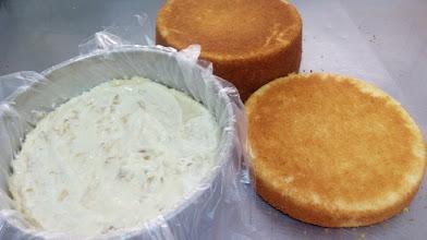 20161126 100713 - Como preparar o bolo para receber o recheio