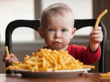 criança_fast_food