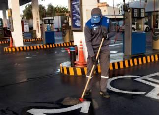 personal de estacion de servicio dual gnc y liquidos_edited