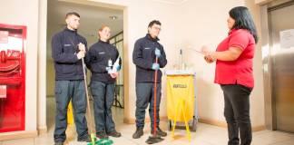 personal de limpieza operarios de limpieza part time para empresa de servicos_edited