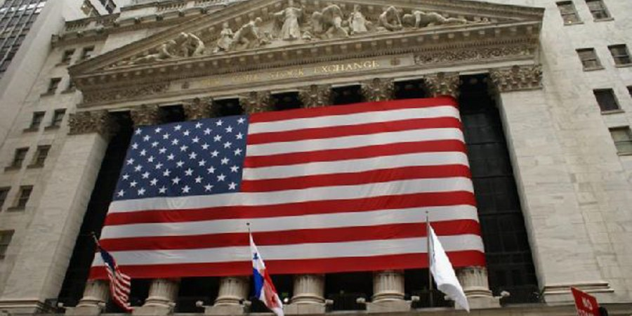 Wall Street inaugura la semana sin una tendencia clara