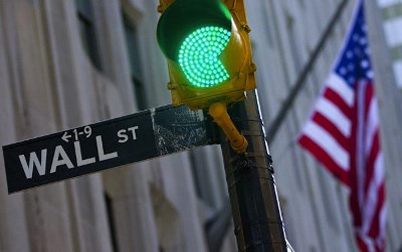 La Bolsa de Nueva York comienza la semana en positivo