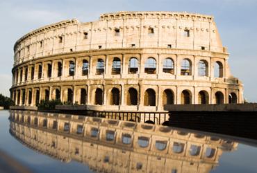 El interés del bono italiano cae por debajo del 1%
