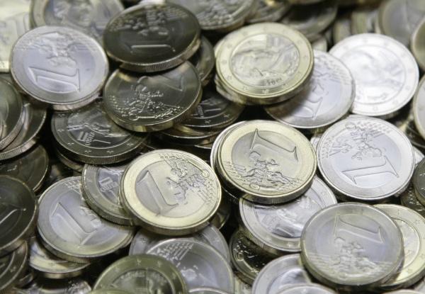Alvarez & Marsal: la banca mejora su rentabilidad, pero necesitará más fusiones
