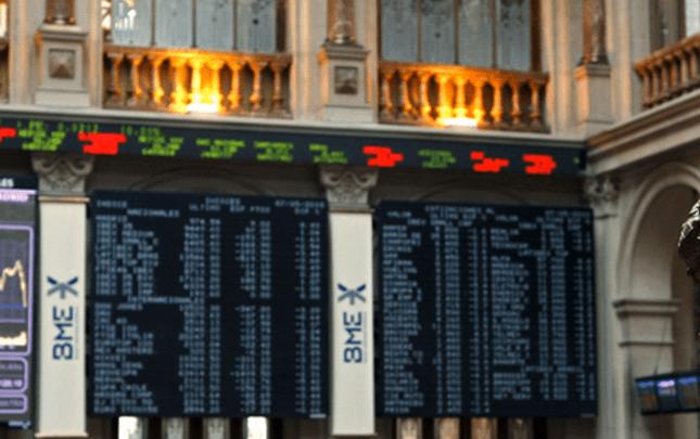 La Bolsa de Madrid abre el viernes con una caída del 0,97%