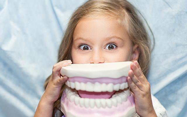 Odontopediatras en Madrid explican cómo afecta la vuelta al cole a la salud dental