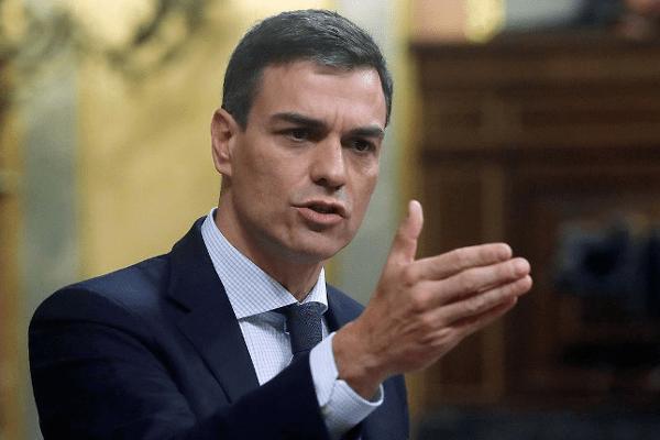 La prima de riesgo bajó de los 100 puntos tras la votación de Pedro Sánchez como presidente