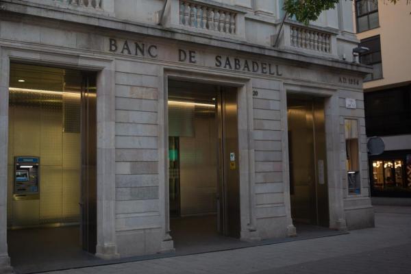 Ibex cae por la banca