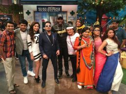 Chris-Gayle-Mika-Singh-and-Kanika-Kapoor-at-The-Kapil-Sharma-Show