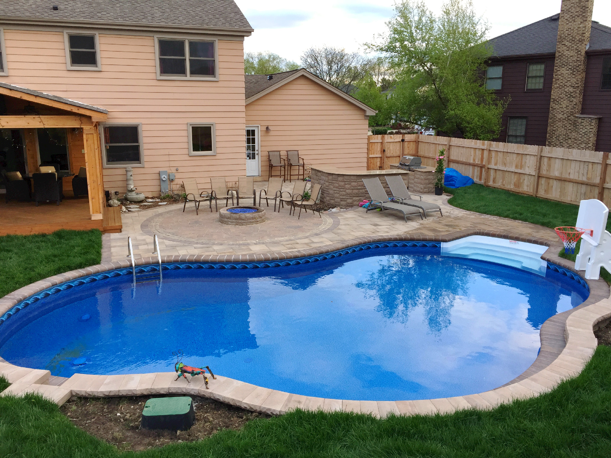 How Much Does a Chicagoland Pool Deck Cost? | Archadeck ... on Pool Deck Patio Ideas id=66349