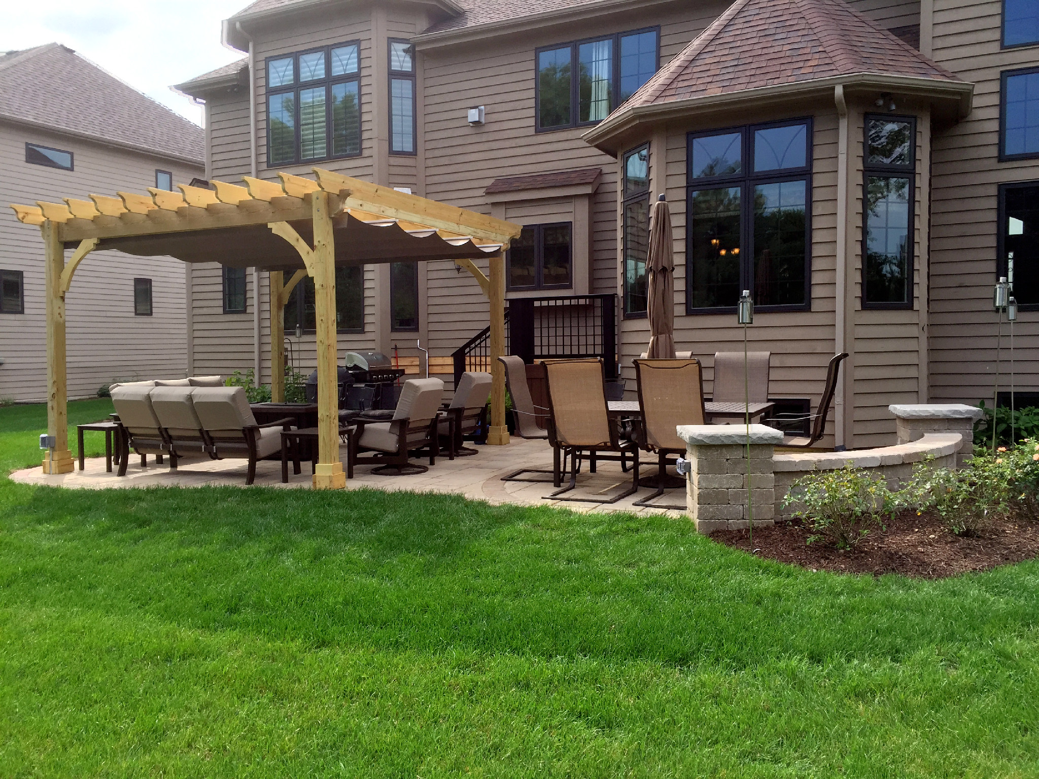 Pergola Shade Solutions for Your Chicagoland Backyard ... on Canvas Sun Shade Pergola id=49179