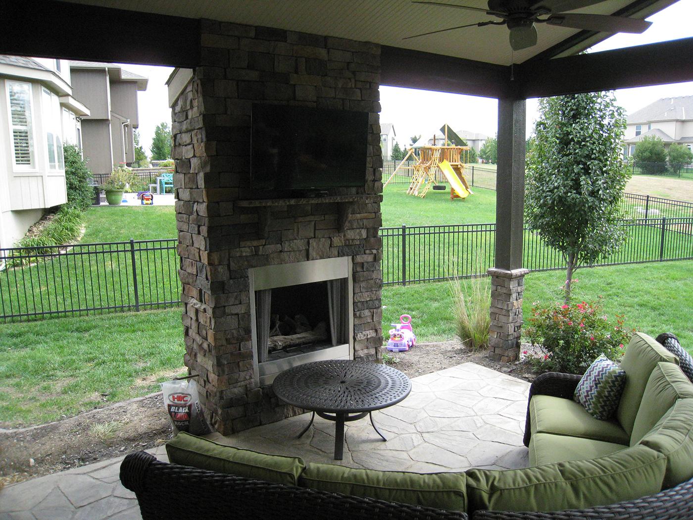 Outdoor fireplaces in Kansas City, Overland Park, Olathe ... on Open Backyard Ideas id=65877