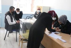 Bolu'da, 3 mahalle ve 3 köyde muhtarlık seçimi