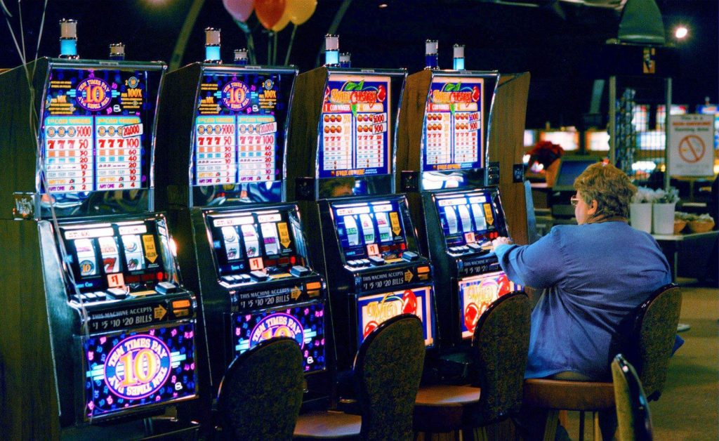 4 Online Gambling establishment Slot machines https://topfreeonlineslots.com/jack-and-the-beanstalk/ Video games Ladies Like To Have fun with Every Period