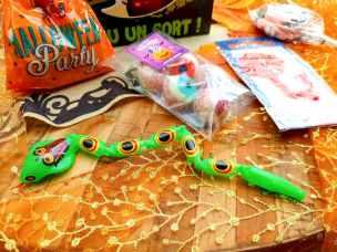 jouet en forme de serpent