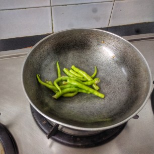 Roast Green Chilies